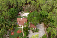 5385 Palmetto Woods Dr